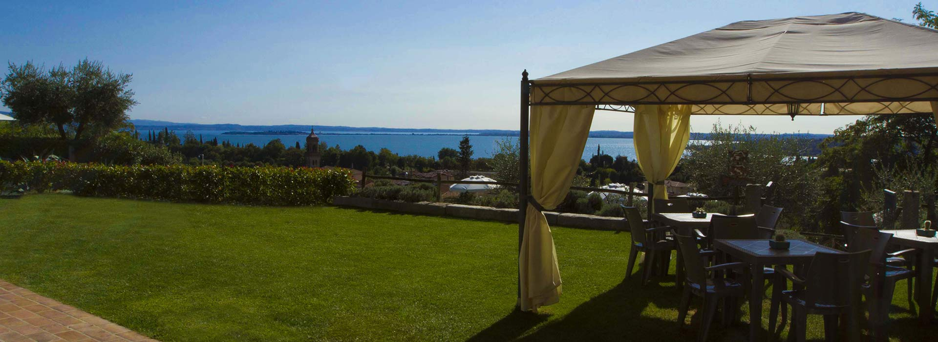 Buchen Sie Ihren Urlaub am Gardasee.