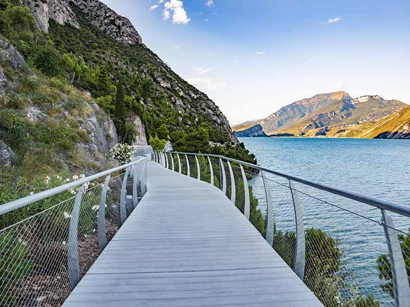 agriturismo-cascina-crocelle-la-passeggiata-sul-lago-galleria-2
